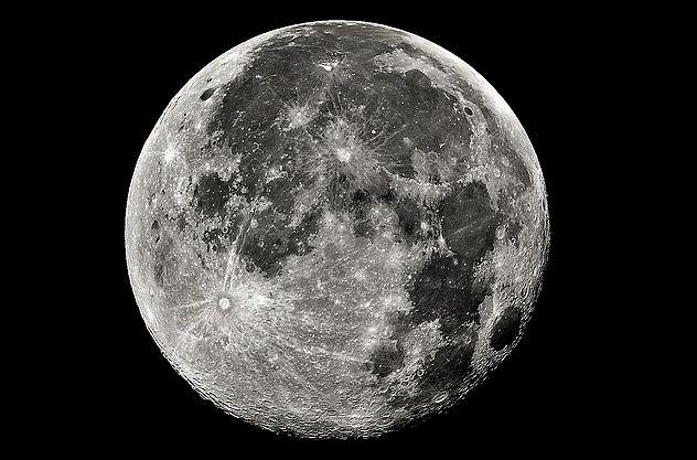 Luna llena para coronar el Kilimanjaro o el Monte Kenia